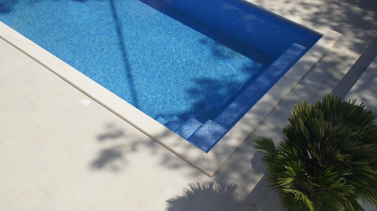 Hauseigener Pool zur Nutzung